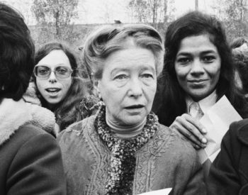 French writer, existentialist philosopher, political activist, and feminist Simone de Beauvoir during the Bobigny Abortion Trial. (Photo by Michel Artault/Apis/Sygma/Sygma via Getty Images)